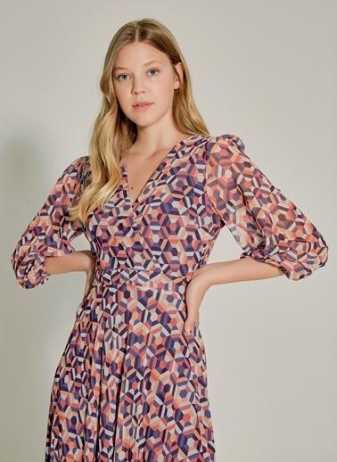 NGSTYLE Kruvaze Yakalı Desenli Elbise Renkli